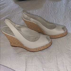 Banana Republic White Slingback Wedges. Size 8.5